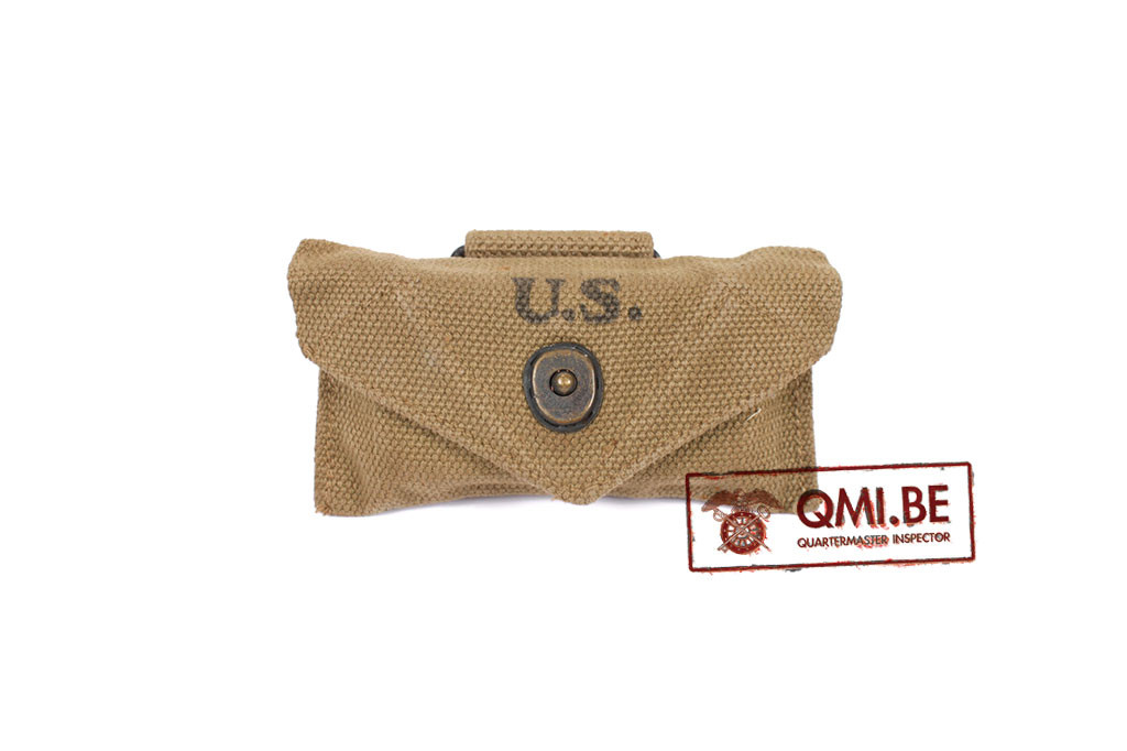 Original US WW2 First Aid pouch made by Brauer Bros Shoe Co. 1942