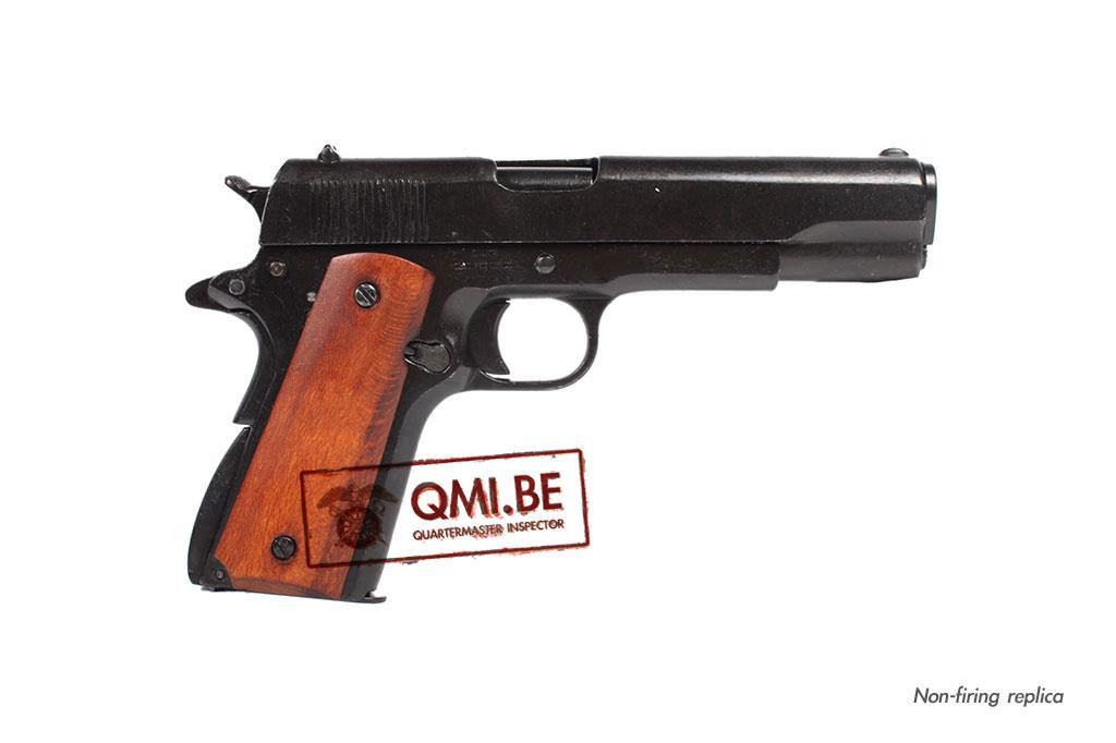 Colt .45 M1911, wood grip (Non-firing replica)