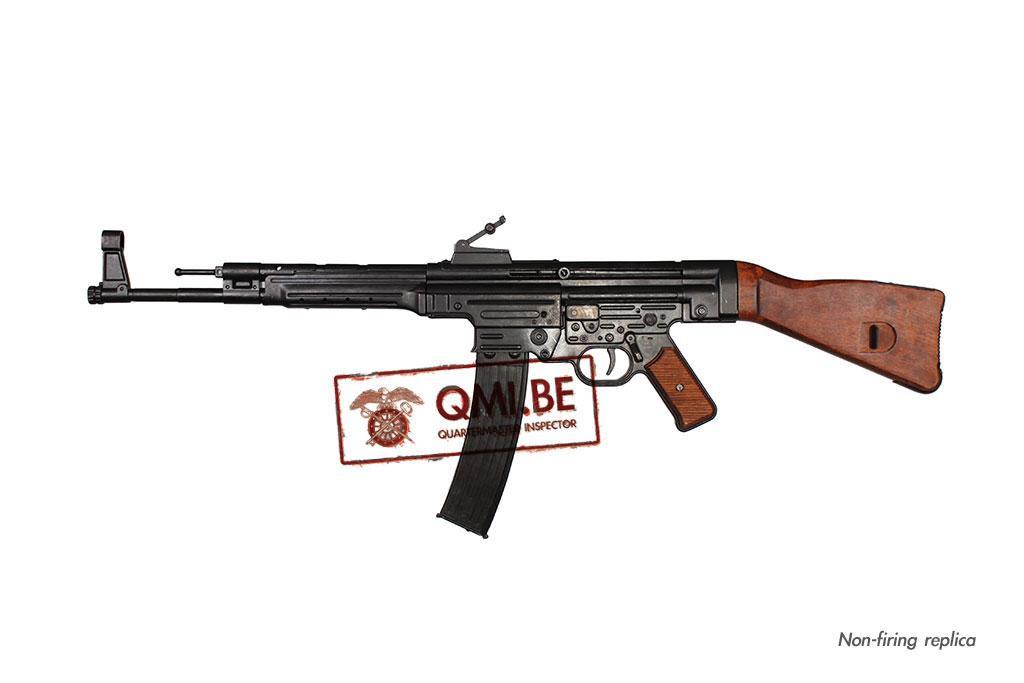 StG44 (Sturmgewehr 44) (Non-firing replica)