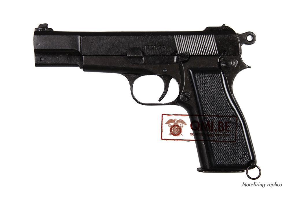 Browning HP or GP35, Belgium 1935 (Non-firing replica)