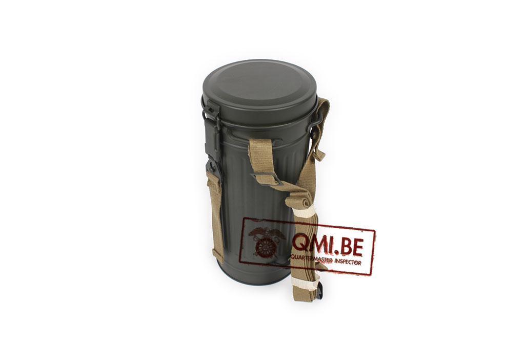 Gasmask container / Gasmaskenbüchse