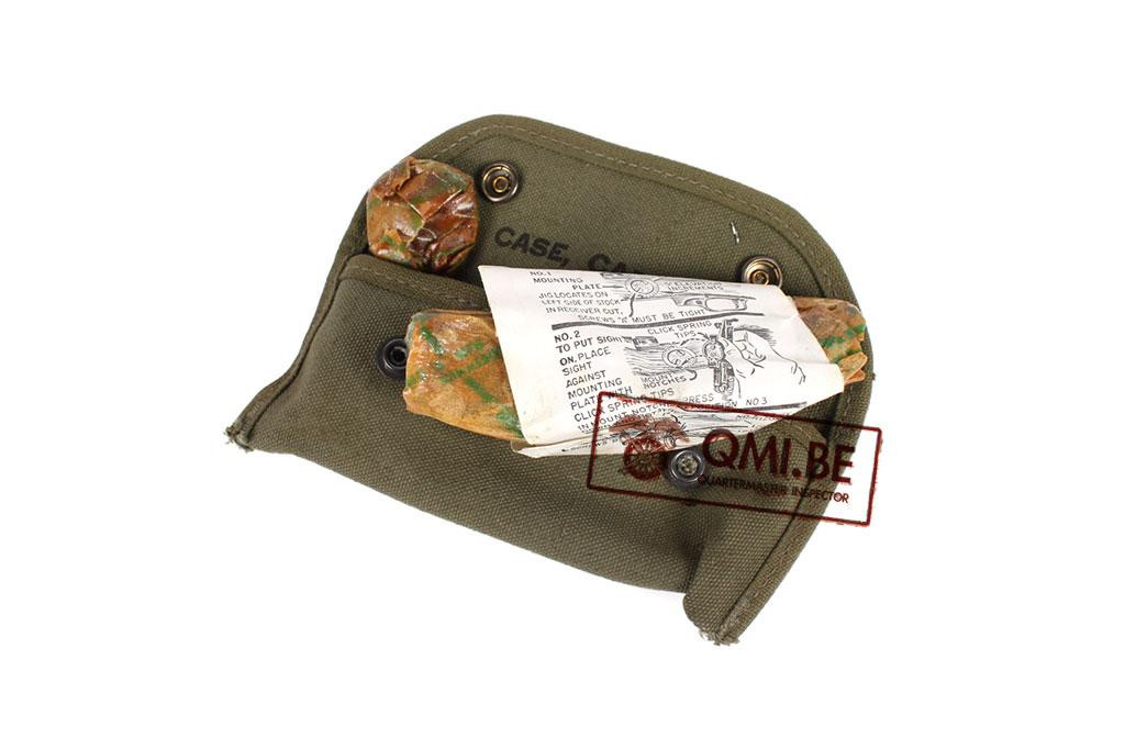 US WW2 case with grenade sight