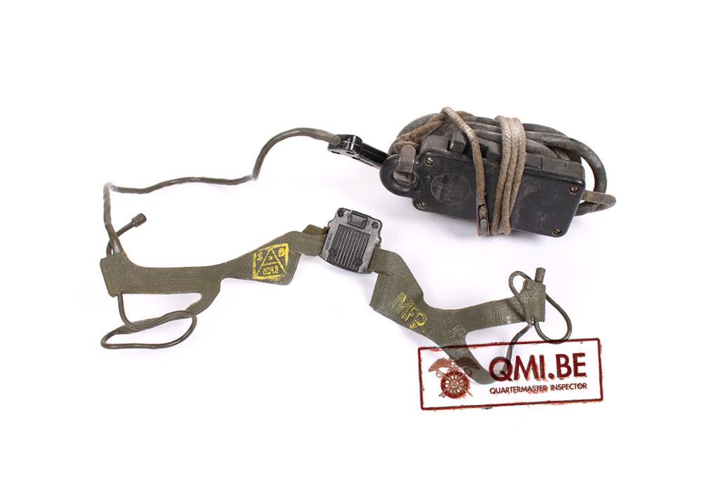 Original US WW2, T-45 Lip Microphone + Push-To-Talk Switch SW-141-V (Cotton Cord Lanyard)