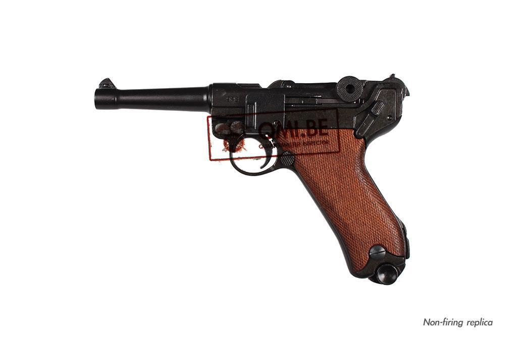 Luger P08, wood grip (Non-firing replica)